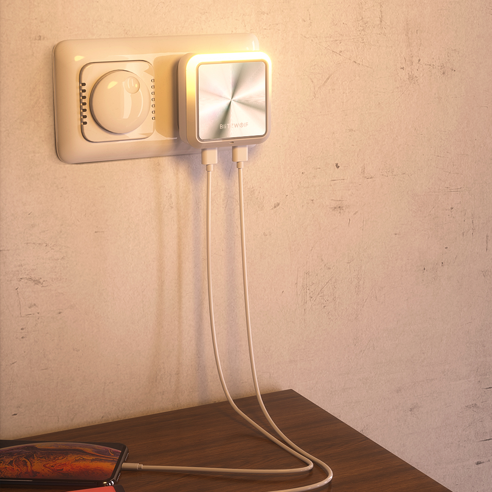 Plug-In Dual USB Sensor Night Light